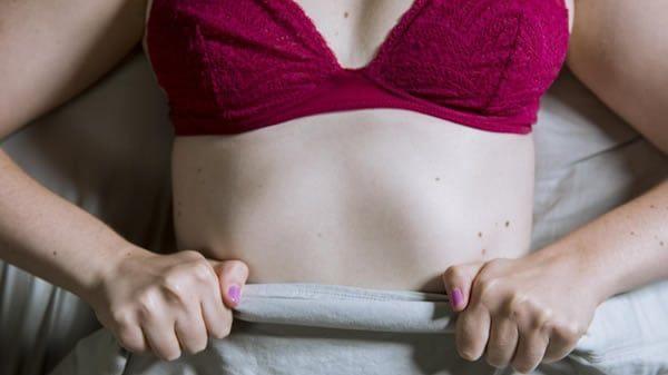 Sexo pela primeira vez: Transando com uma mulher virgem