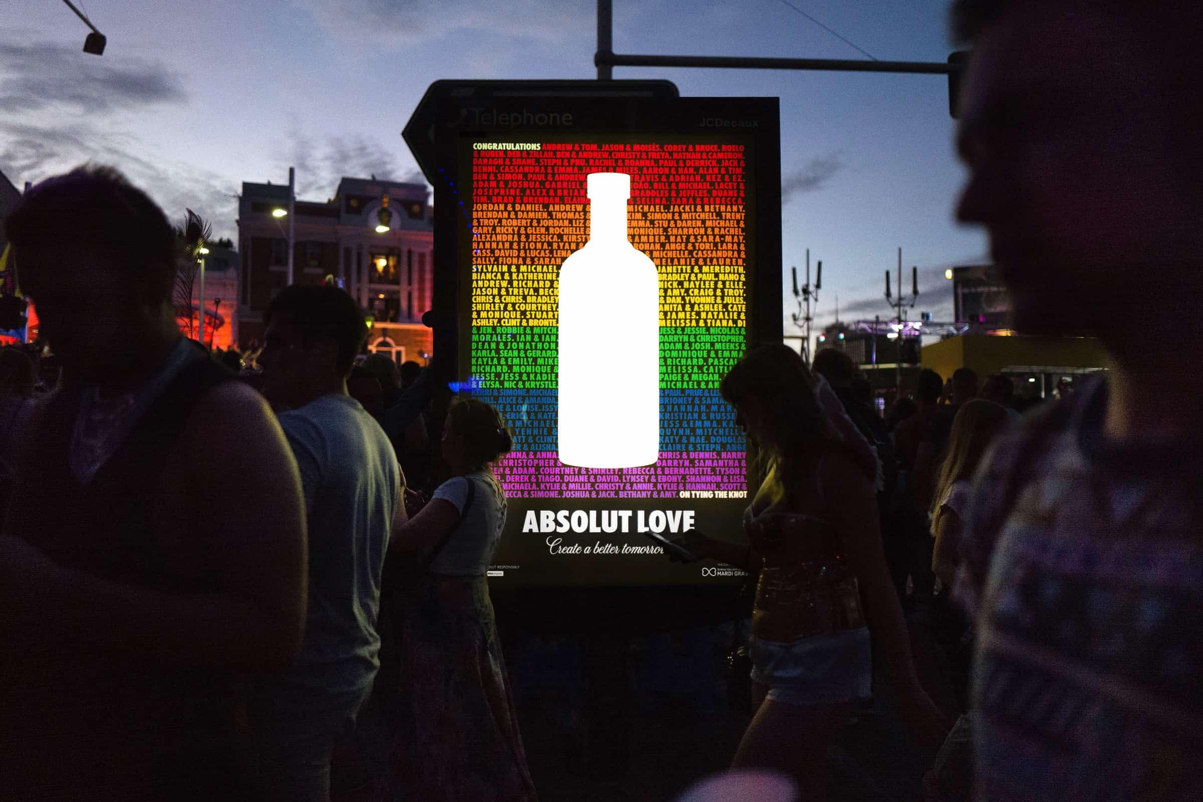 Campanha da Absolut celebra o amor gay
