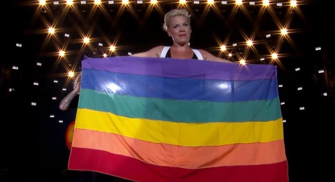O maior sucesso do Rock in Rio é o 'kit gay', talkey?