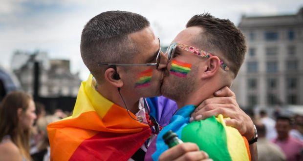 Dia do sexo gay: Conheça os fetiches mais comuns