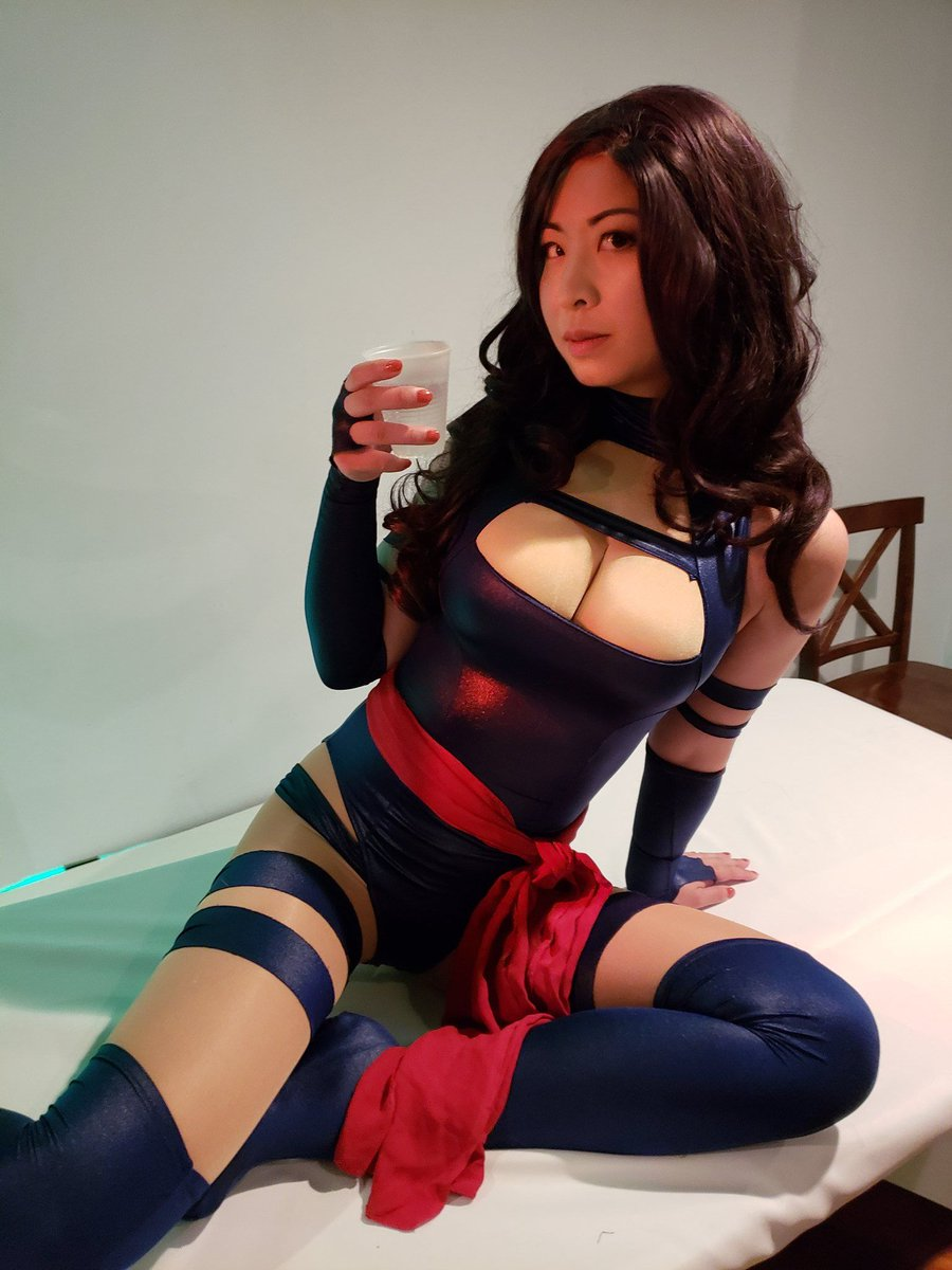 "Sluts and Guts على تويتر: ""Vicky Bunny Angel as Psylocke #cosplay #sexy… """